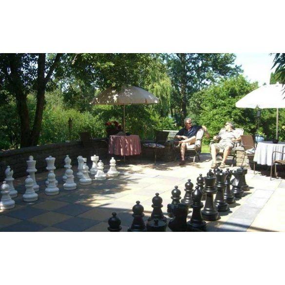 Capetan® Aveo kültéri óriás figurás kerti sakk készlet 64-43 cm méretű időjárás álló műanyag bábúkkal