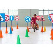 Közlekedési oktató park 12 tábla , 12 bója
