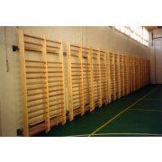 Klasszikus Kétszakaszos tornatermi bordásfal 275x171x18,5cm rétegelt lemez világos oldalfallal  bükk árnyalatú keményfa fokokkal